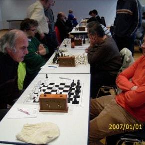 Schachfreunde Frankfurt 1921 e.V. Schach lernen, Schach trainieren, Schachspielen3te_mannschaft_runde_4_041212_1 Runde IV: Brett vor'm Kopp Ffm III – Sfr. Frankfurt III