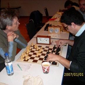 Schachfreunde Frankfurt 1921 e.V. Schach lernen, Schach trainieren, Schachspielen3te_mannschaft_runde_4_041212_3 Runde IV: Brett vor'm Kopp Ffm III – Sfr. Frankfurt III