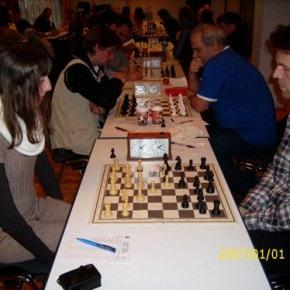 Schachfreunde Frankfurt 1921 e.V. Schach lernen, Schach trainieren, Schachspielen3te_mannschaft_runde_4_041212_6 Runde IV: Brett vor'm Kopp Ffm III – Sfr. Frankfurt III