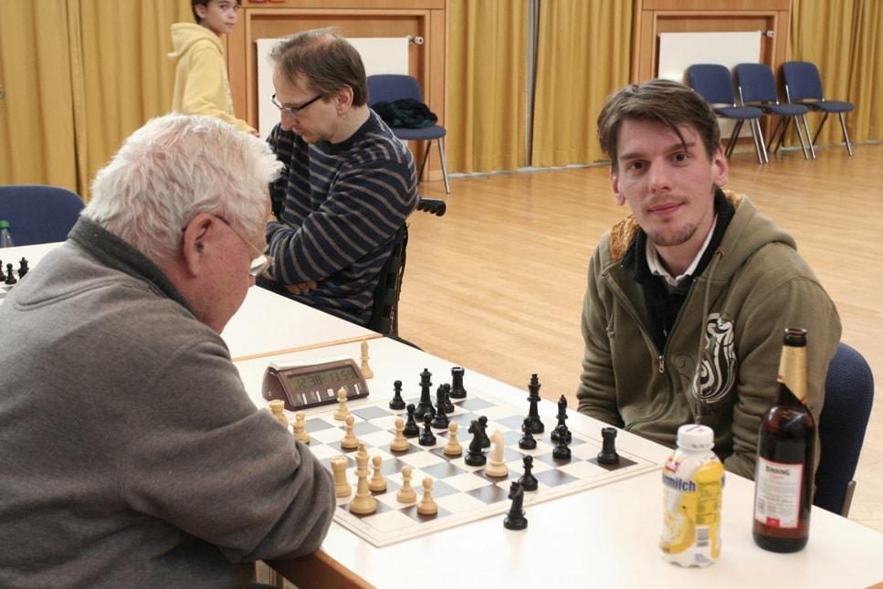 Schnellschachturier Serie 2011 - Schachfreunde Frankfurt 1921 Schachfreunde Frankfurt 1921 e.V.