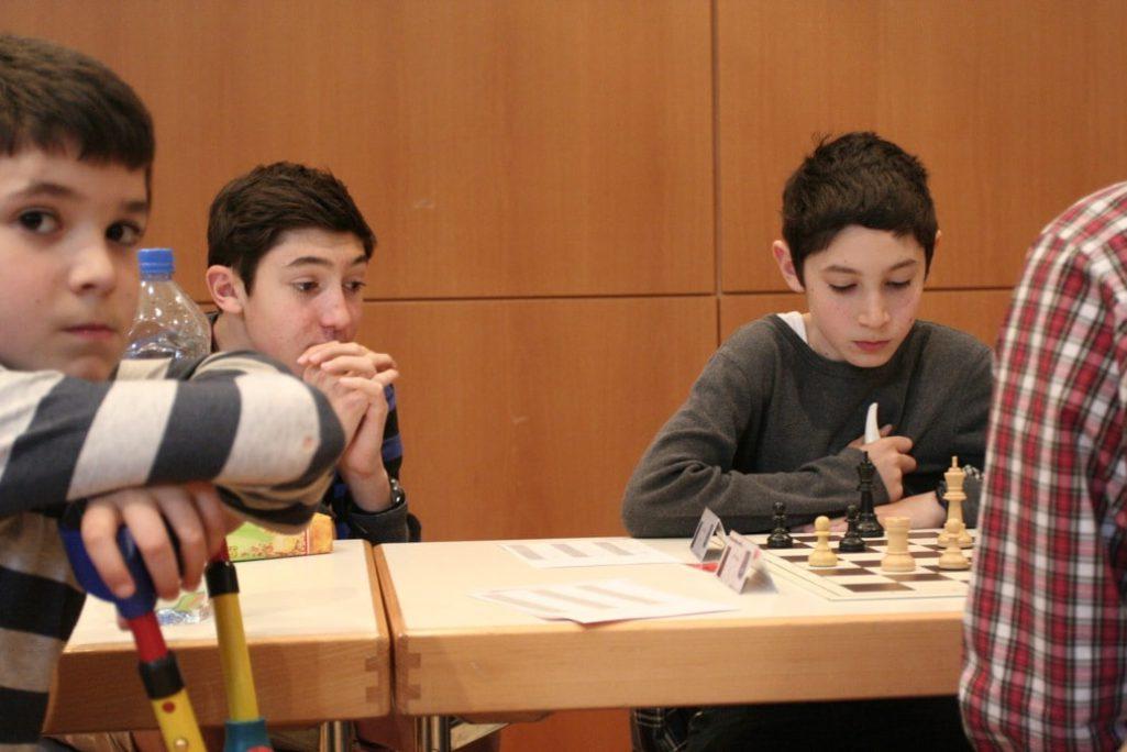 Unsere Jugend am kämpfen - VM2013 Schachfreunde Frankfurt 2013 Schachfreunde Frankfurt 1921 e.V.